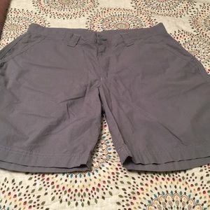 Gently Worn Men's Gray Size 30 Columbia Shorts